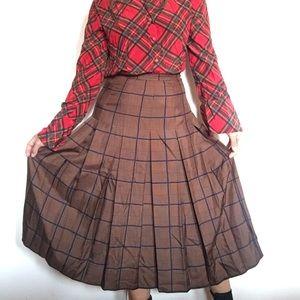 Vintage pleated silky midi skirt
